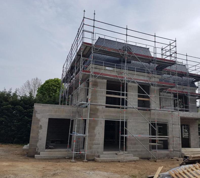 poser charpente et construction toit maison individuelle